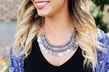 A Guide to Wearing Necklaces in Fort Lauderdale