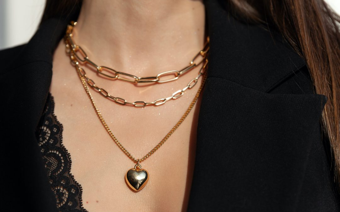 3 Tips to Store Your Necklaces With Pendants in Sunrise